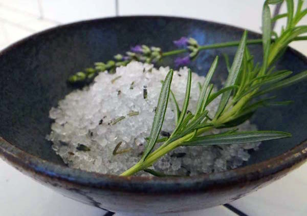 lavender-rosemary-bath-salts-energy-cleanse